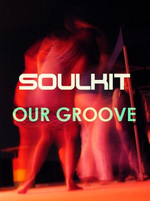 Tanzende Menschen vor einer Bühne Beitragsbild zu Our Groove